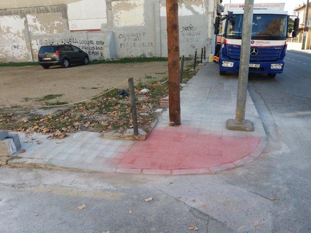 Vados peatones Ronda Miquel Oliva Prat