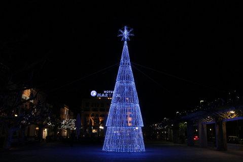 L'enllumenat de Nadal de Roses, 100% de baix consum, funcionarà del 27 de novembre al 7 de gener