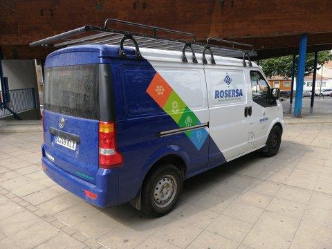 Actualitzación del logotipo y la imagen de los vehiculos y materiales