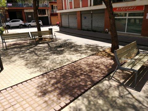 Millora als parterres de la plaza Josep Tarradellas